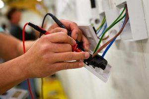 Vistoria das instalações elétricas e aparelhagem elétrica